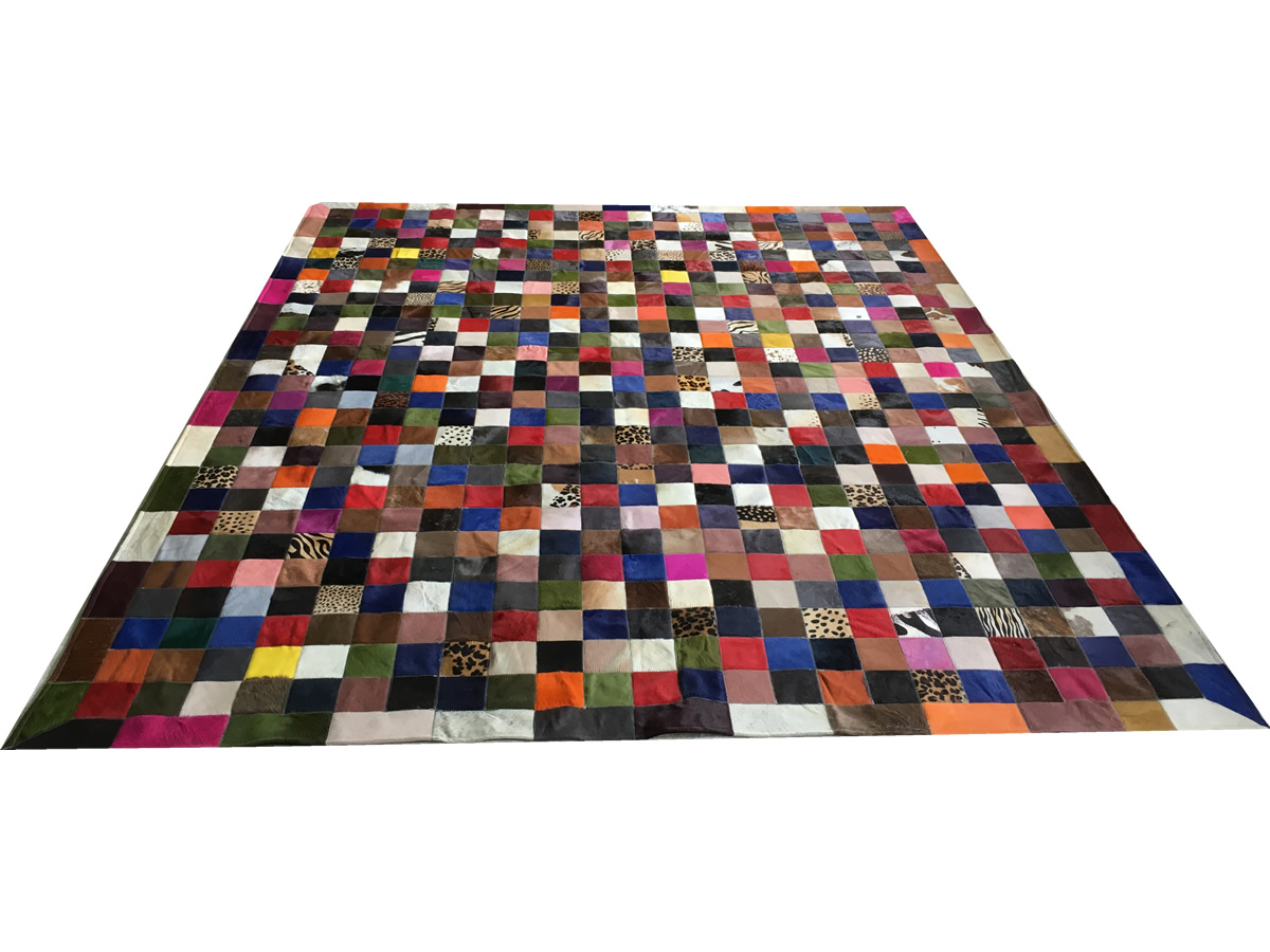 Tapete de couro colorido 2,50x3,00 com bordas peça 10x10cm