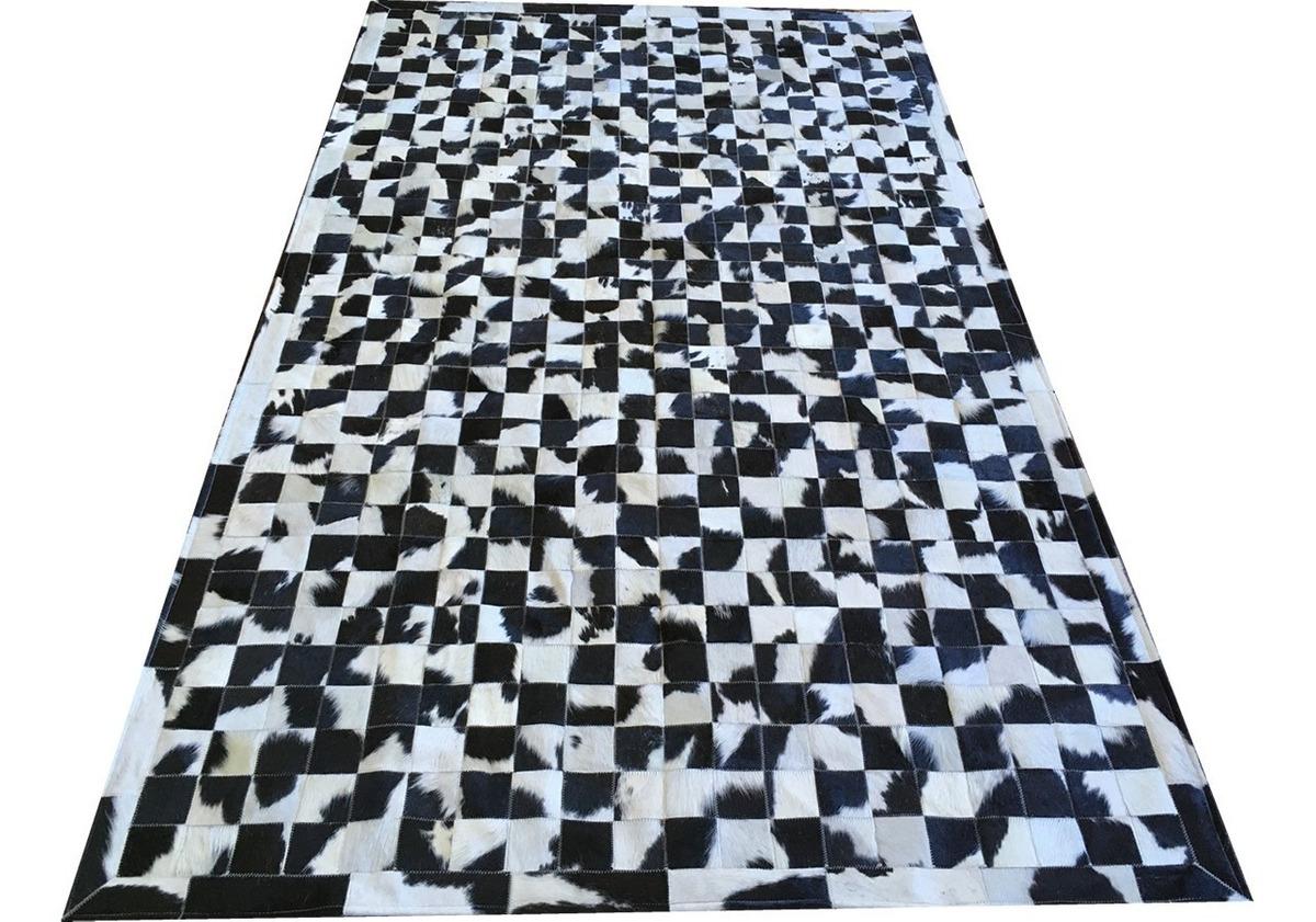 Tapete De Couro Preto Branco Malhado 1,50x2,50 Com Bordas