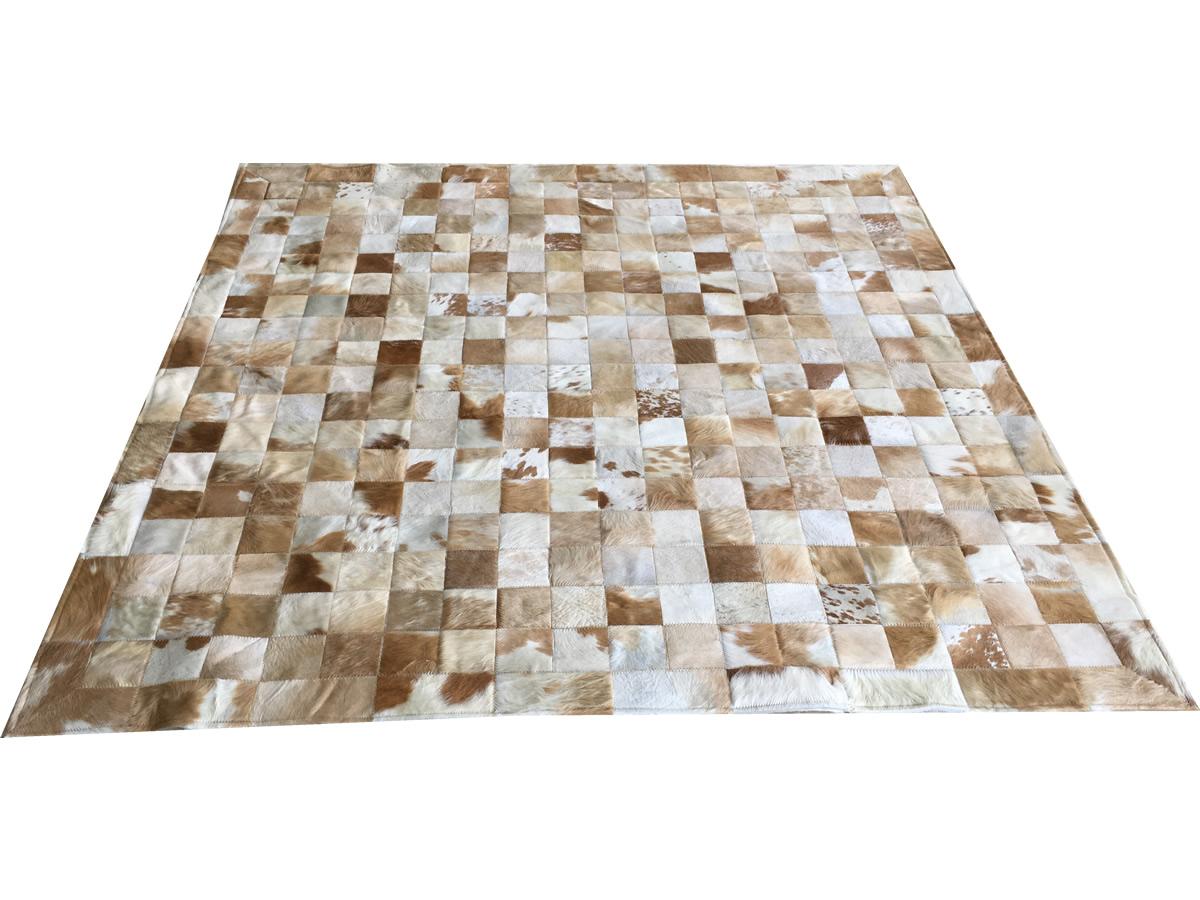 Tapete de couro bege malhado 2,00x2,00 com bordas pç 10x10cm
