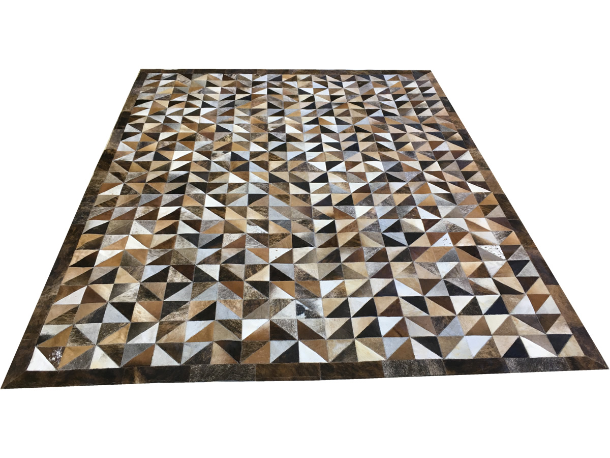 Tapete De Couro Marrom Misto Triângulos 2,00x2,50 Com Bordas