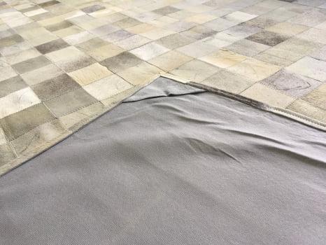 Tapete De Couro Cinza Griss 2,00x3,00 Com Borda Peça 10x10cm