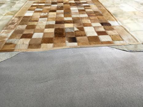 Tapete de couro passadeira bege malhado 0,60x1,50 com bordas