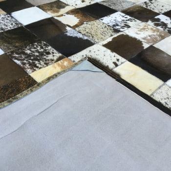 Tapete de couro marrom malhado escuro 2,00x2,50 c/b peça 15