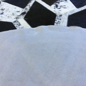 Tapete De Couro Redondo Preto E Branco Salino 1,20 Diâmetro
