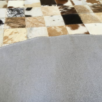 Tapete de couro redondo marrom malhado 1,00 diâmetro s/b