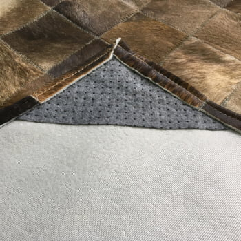 Tapete de couro cinza rato 1,20x1,80 com borda pç 10x10cm