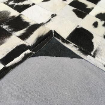 Tapete de couro preto branco malhado 3,00x6,00 com borda peça 10x10cm